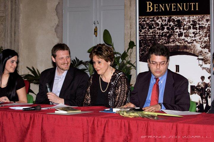 """Resoconto della presentazione di """"L'Orologio Parallelo"""", di Michele Gentile, Monica Baldacchino e Cinzia Baldini, Ostia Antica"""