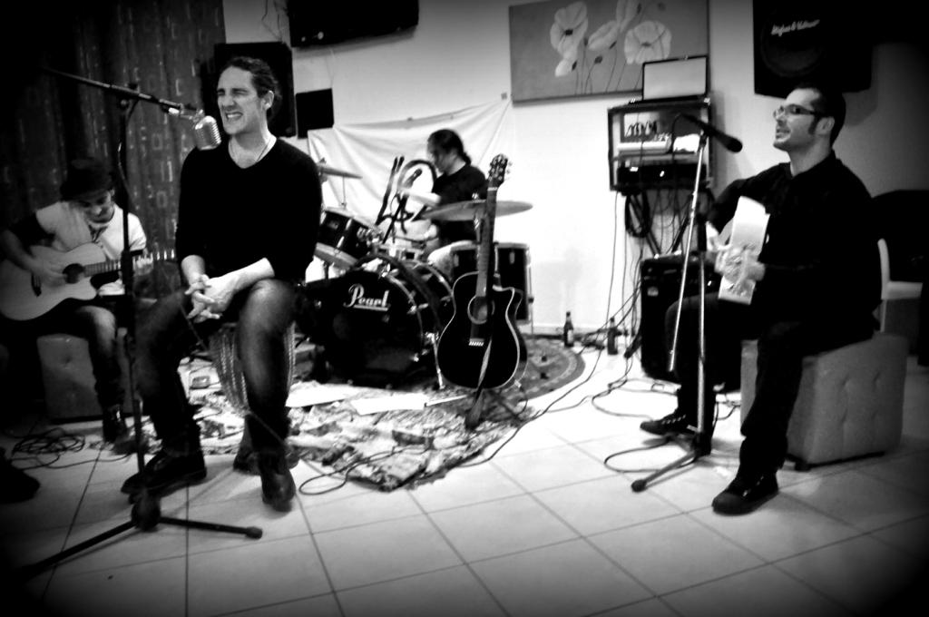 """""""Muori"""", country live set dei Quattrohm, finalisti del Special Contest Unione Sarda"""