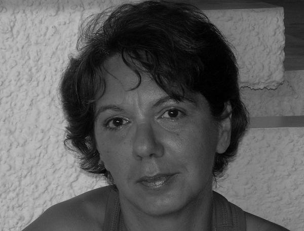 """Intervista di Pietro De Bonis a Maria Capone ed al suo """"Il Bacio di vetro"""""""