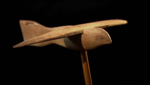 Oggetti moderni in tempi antichi: L'Uccello di Saqqara
