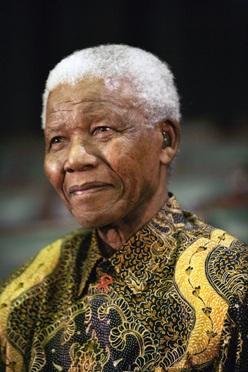 """""""Le mie fiabe africane"""" dell'eroe dell'antirazzismo Nelson Mandela – recensione"""