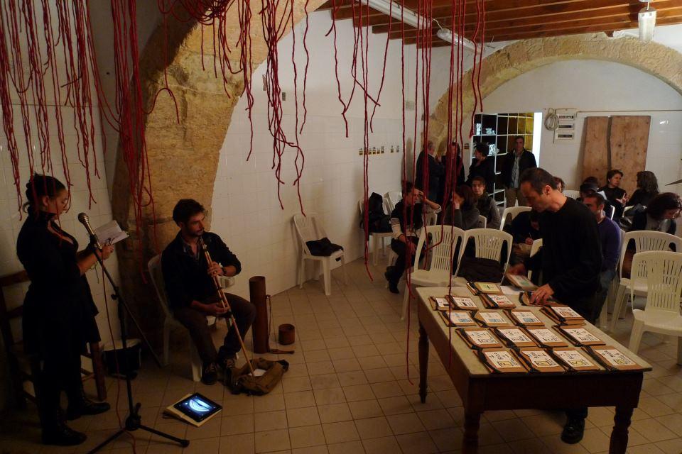 """Dibattito con il Consigliere Claudia Zuncheddu ed Azione Sonora """"Limite Invalicabile"""", 30 novembre, Cagliari"""