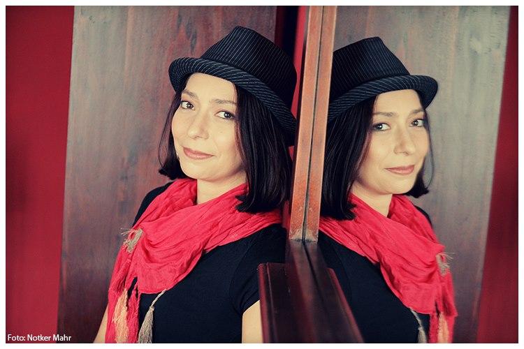 """""""Stanotte il cielo ci appartiene"""" di Adriana Popescu: un'atmosfera carica di sogni e di speranze"""