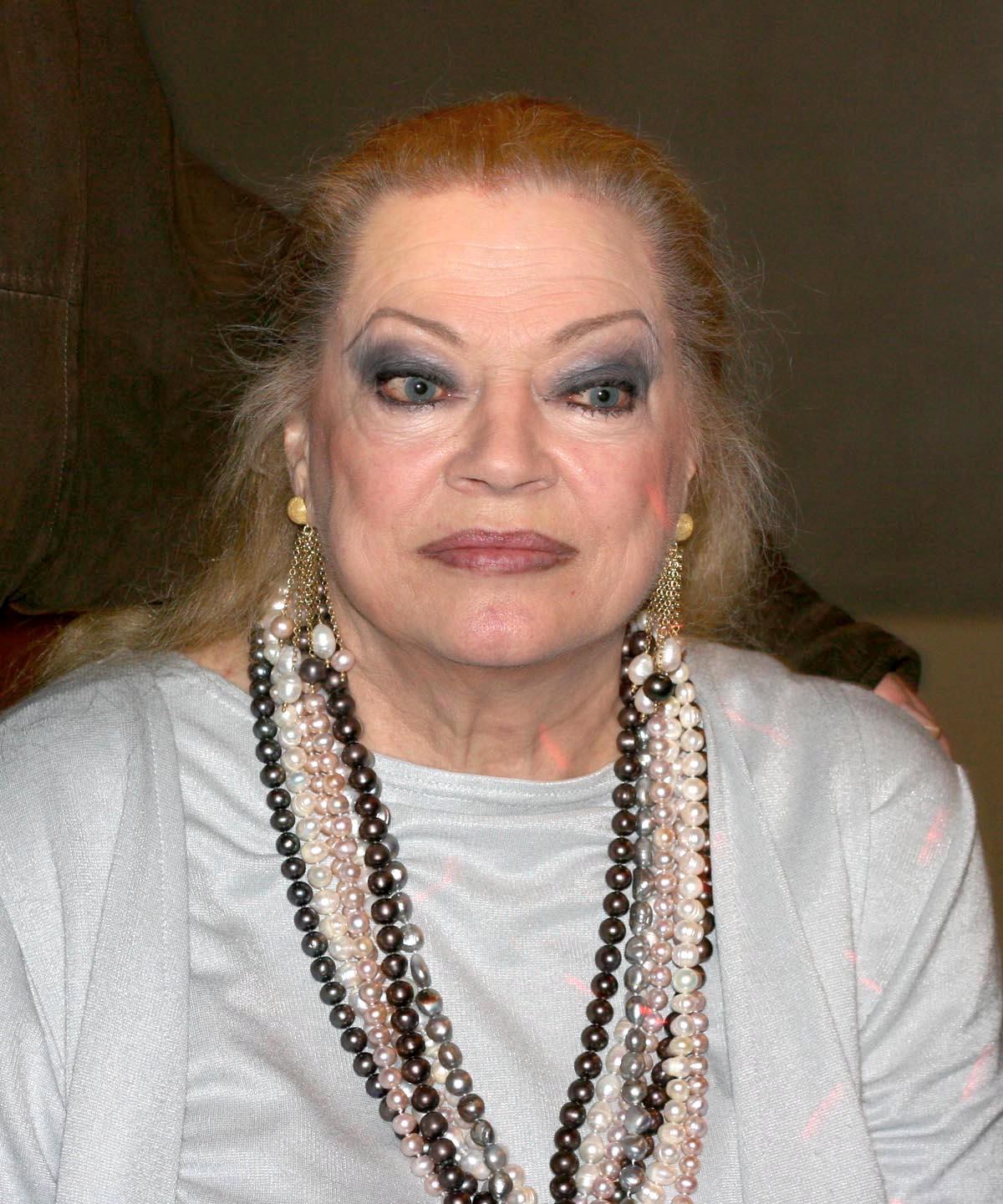 """Addio ad Anita Ekberg, l'attrice svedese icona del film """"La dolce vita"""" di Federico Fellini"""