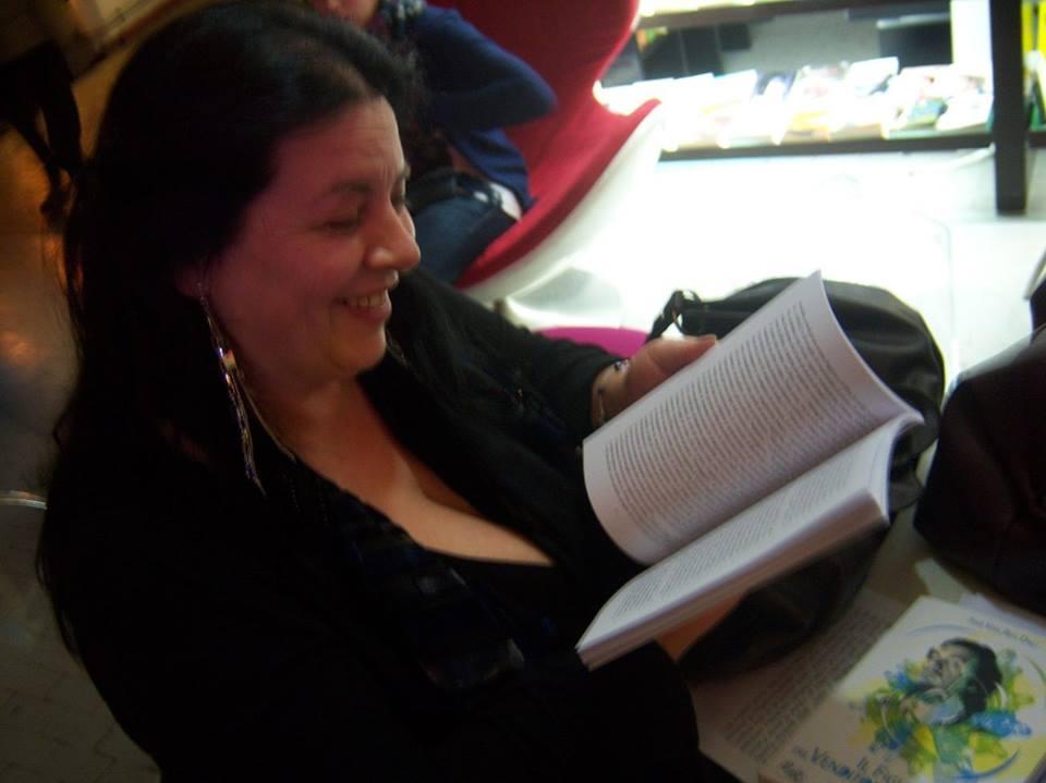 """""""E guardo il mondo da un oblò"""" di Anna Montella: undici brevi racconti che s'interrogano sull'umanità"""
