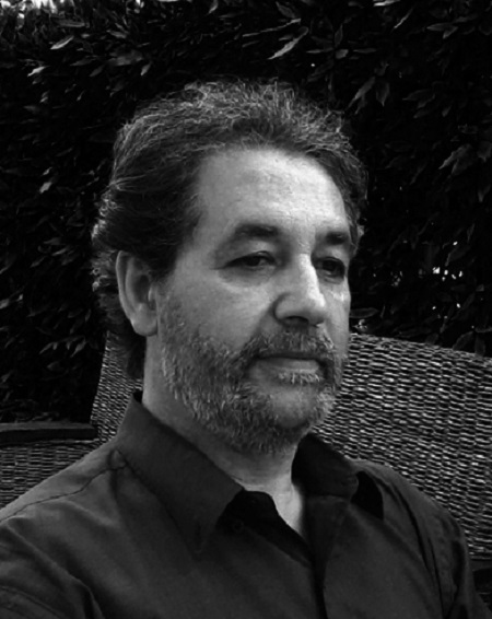 """""""La tana e il microfono"""" di Antonio Alleva: bisbigli, invenzioni linguistiche, silenziosi voli ubriachi di farfalla ed alcuni om"""