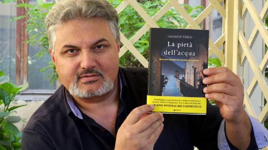 """""""La pietà dell'acqua"""" di Antonio Fusco: una nuova indagine del commissario Casabona"""