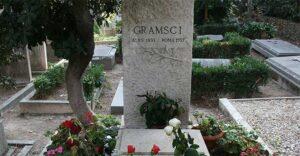 Antonio Gramsci - Tomba del Cimitero Acattolico di Roma - Photo by PassaggiLenti