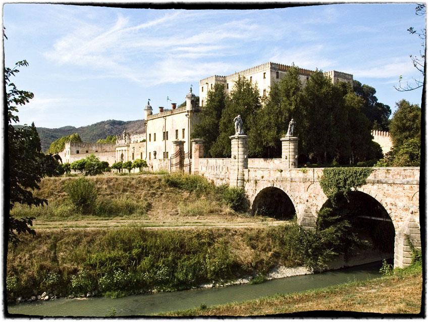 Castello del Catajo: l'assassinio di Lucrezia e la leggenda della dama azzurra
