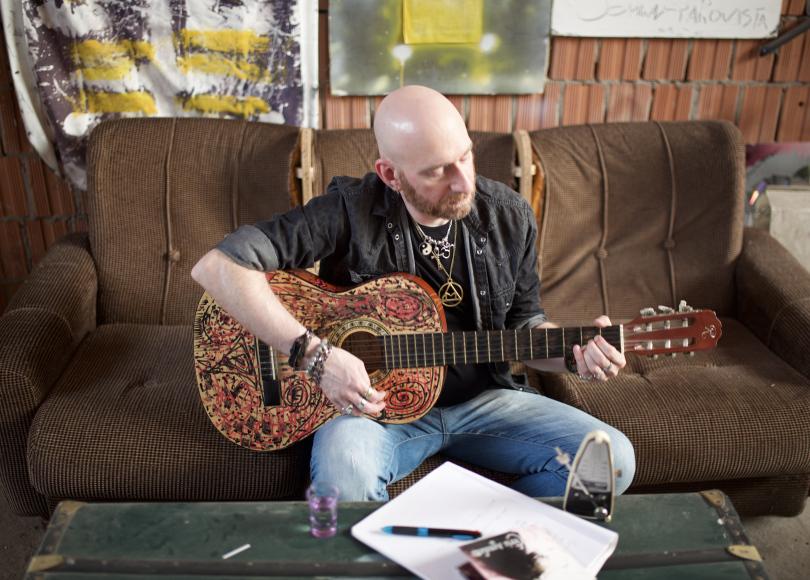 Chris Agnoletto: l'album omonimo dell'outsider melodrammatico