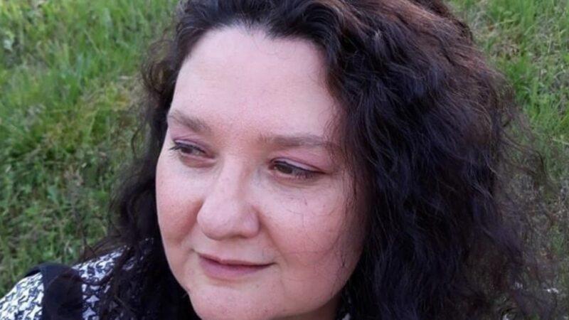 """""""Vivi di sogni"""" di Cinzia Perrone: cammini che si intrecciano verso la realizzazione del sé"""
