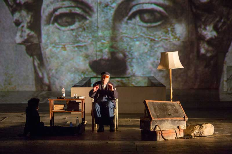 """""""Conversazione su Tiresia"""" di Andrea Camilleri diretto da Roberto Andò: dal Teatro greco di Siracusa al cinema"""