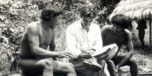 Darcy Ribeiro e índios Urubu-Kapoor – Foto Instituto Darcy Ribeiro