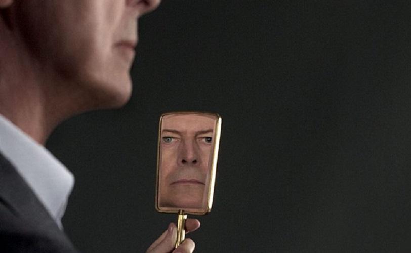 """""""Blackstar"""" di David Bowie: l'epitaffio di Lazarus che pianificò la sua morte"""