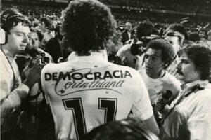 Democracia Corinthiana - Photo by Futbolretro