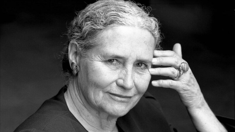 """""""Il taccuino d'oro"""" di Doris Lessing: la libertà è un abisso di solitudine"""
