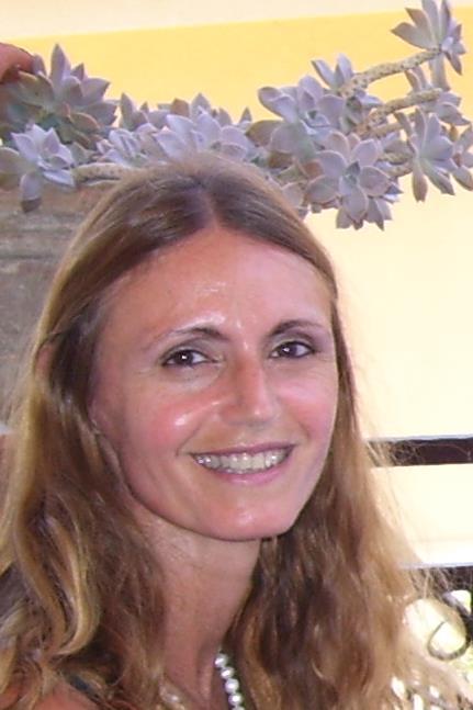 """""""Fragili armonie"""", libro di Eleonora Castellano: i giovani sono l'interesse principale dell'autrice"""