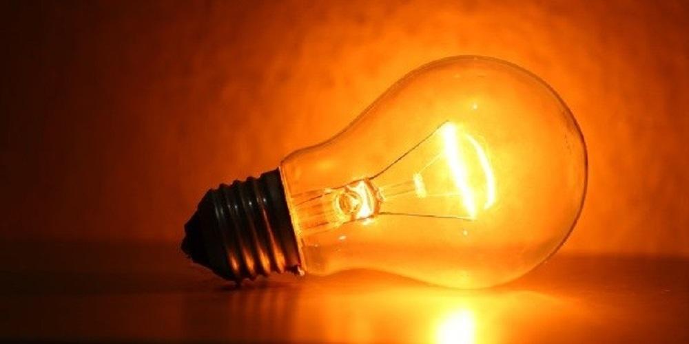 L'elettricità, ieri ed oggi: dall'èlektron alla corrente alternata e la vendita online di materiale elettrico