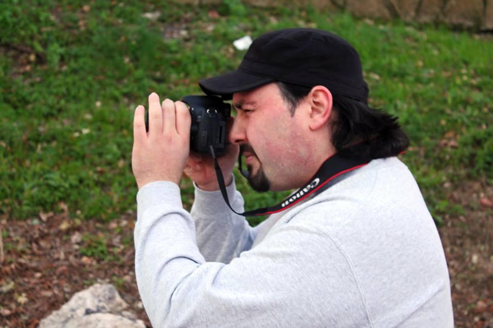 """Intervista di Rebecca Mais al giovane cineasta Fabio D'Alessio, regista del corto """"Ti aiuto io"""""""