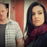 """""""Hush"""": il debut album dei Fiberglass, duo retro alternative pop"""