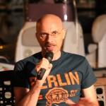 """""""Qualcuno è uscito vivo dagli anni Ottanta"""" di Francesco Dezio: dai punk degli anni Ottanta ai giovani del Duemila"""