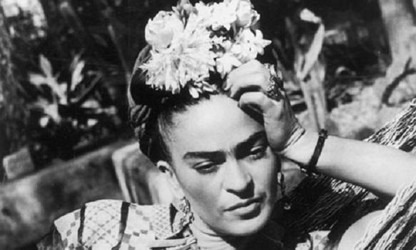 """""""Viva la vida"""" di Pino Cacucci: un monologo sulla vita di Frida Kahlo"""
