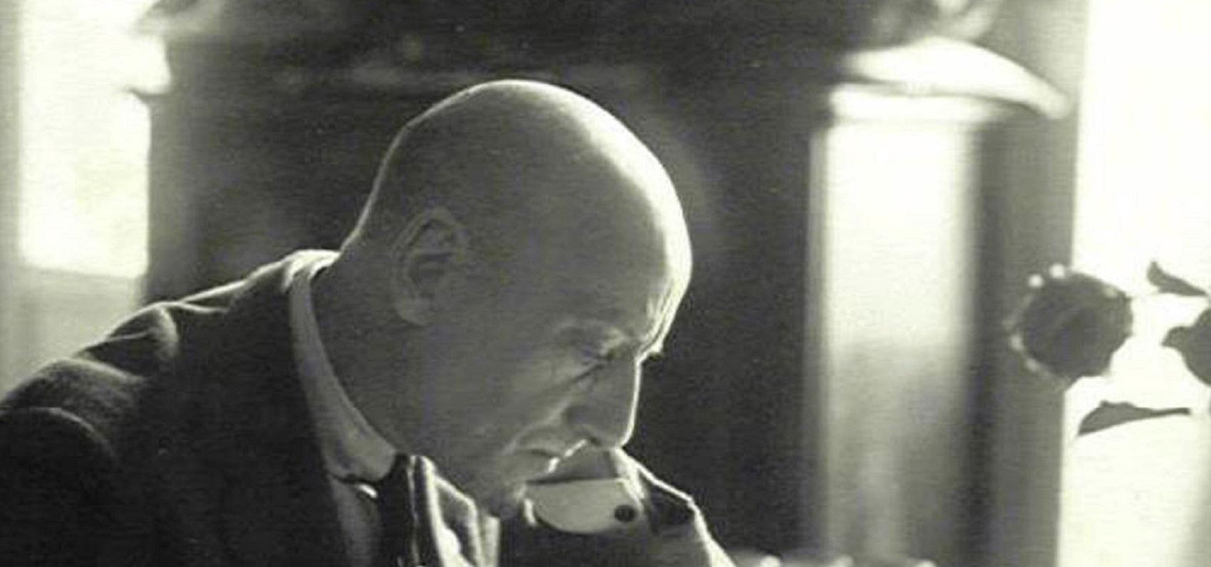 Le métier de la critique: Gabriele D'Annunzio ed il vivere la vita come se fosse un'opera d'arte