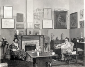 Gertrude Stein and Alice B. Toklas - Photo by Man Ray - Copyrigth NPG Smithsonian