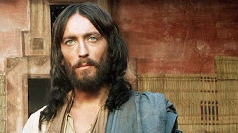"""""""Gesù di Nazareth"""" film di Franco Zeffirelli: la divinità che introietta in sé"""