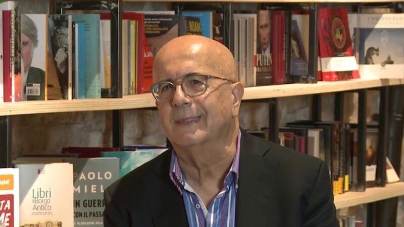 """""""La scatola di cuoio"""" di Gianni Spinelli: cadere preda dei piaceri terreni o tendere verso l'alto?"""