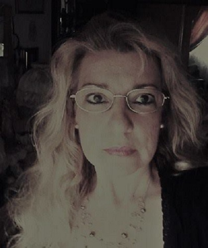 Intervista a Giovanna Fracassi, autrice della silloge Emma. Alle porte della solitudine