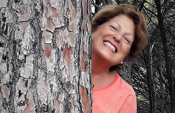 """""""A piedi nudi sull'erba"""" di Giuseppina Carta: la vita come immersione nel reale, ma con fantasia"""