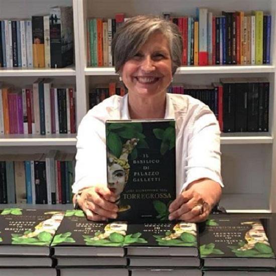 iSole aMare: Emma Fenu intervista Giuseppina Torregrossa, donna e scrittrice isola per nascita, vocazione e scelta