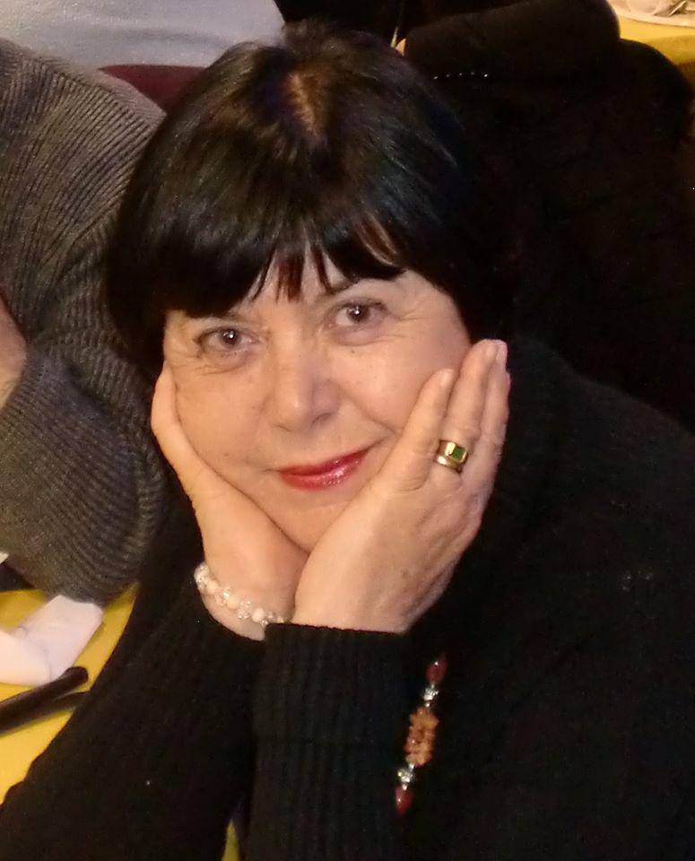 """""""Nel palazzo dell'ombra"""" di Graziella Cappelli: una poetessa che sa estrapolare da ogni sentimento il senso"""