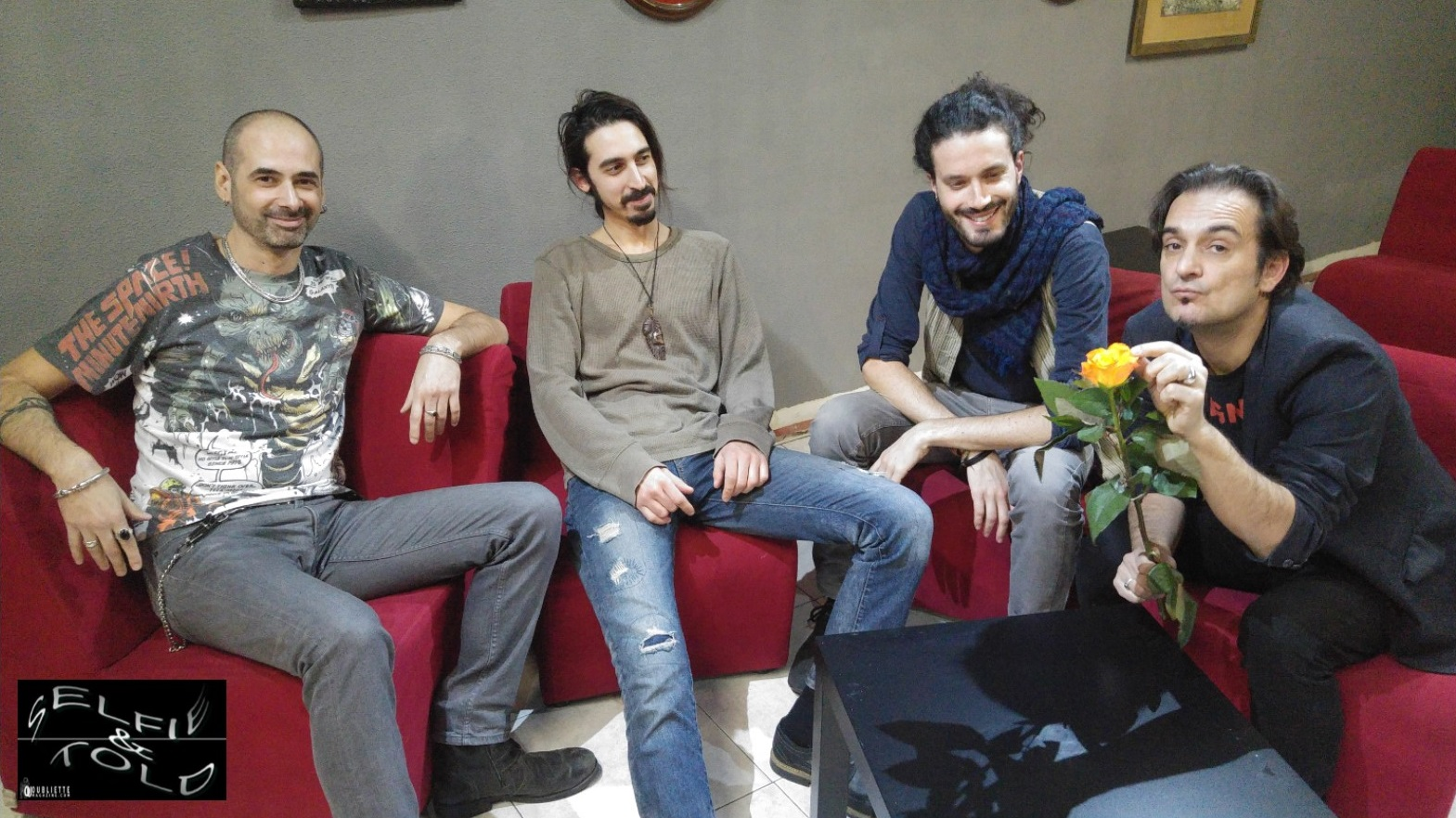 """Selfie & Told: la band Guignol racconta il nuovo disco """"Porteremo gli stessi panni"""""""