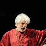 """Il """"Re Lear"""" di Michele Placido: la risposta del Teatro al peso di questo tempo triste"""