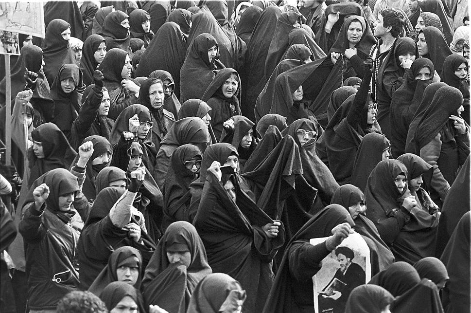 11 febbraio: la rivoluzione islamica in Iran muta la monarchia in repubblica dei filosofi