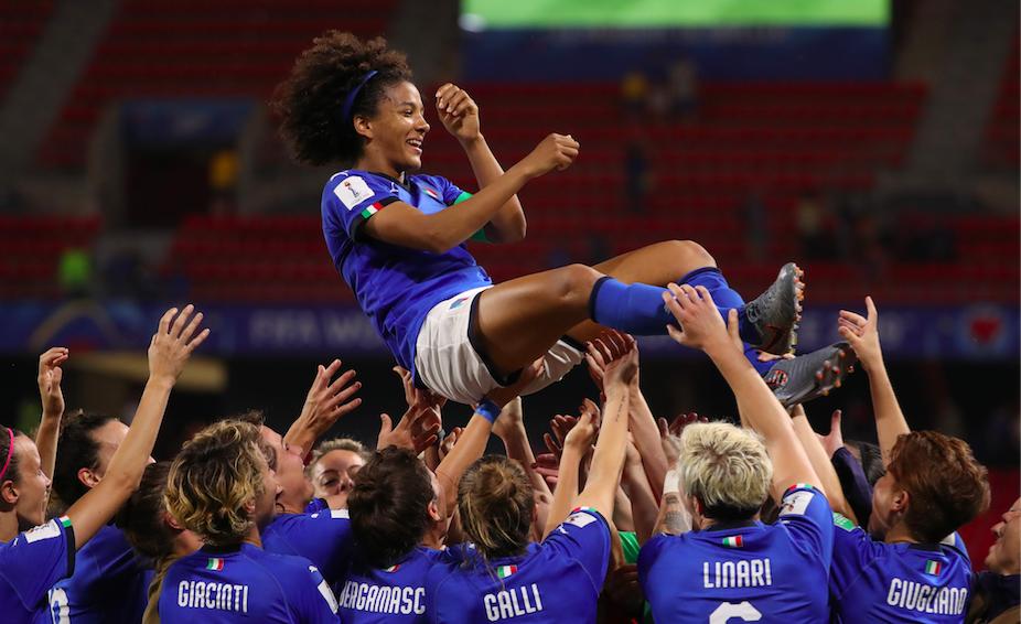Campionato Mondiale di Calcio Femminile: le Azzurre incontrano il Dragone