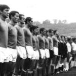 """""""La nazionale cagliaritana"""" di Roberto Montesi: il calcio è un'energia positiva?"""