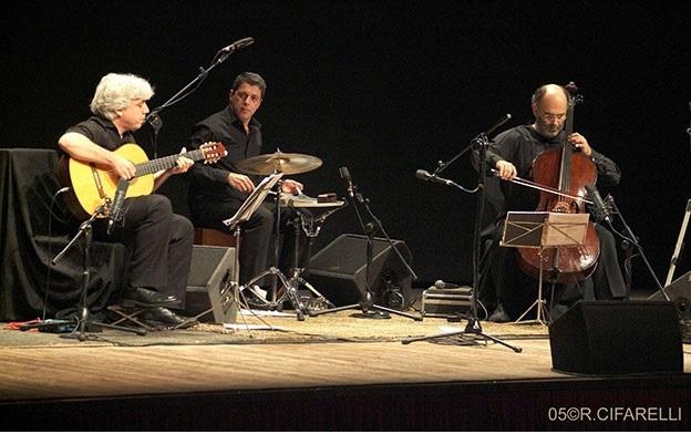 Jaques-Morelenbaum-Cello-Samba-Trio.jpg