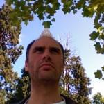 """""""Amore, sesso e altre questioni di politica estera"""" di Jesse Armstrong: da Londra alla Bosnia con umorismo"""