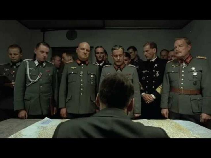 """""""La caduta – Gli ultimi giorni di Hitler"""" di Oliver Hirschbiegel: buttare giù dal piedistallo persone orribili rendendole reali"""