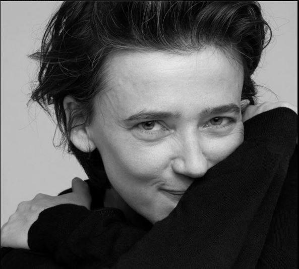 """Intervista di Irene Gianeselli alla fotografa Laila Pozzo: """"Breakaleg"""", dal 21 ottobre al Teatro Elfo Puccini di Milano"""