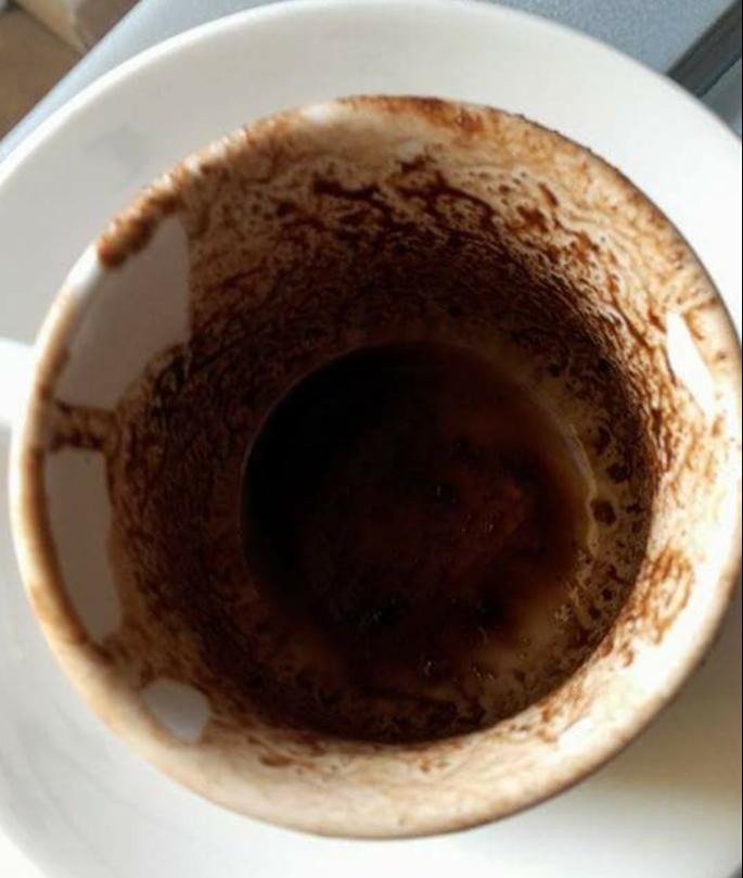 L'arte di leggere i fondi del caffè: la tradizione balcanica della conoscenza del futuro