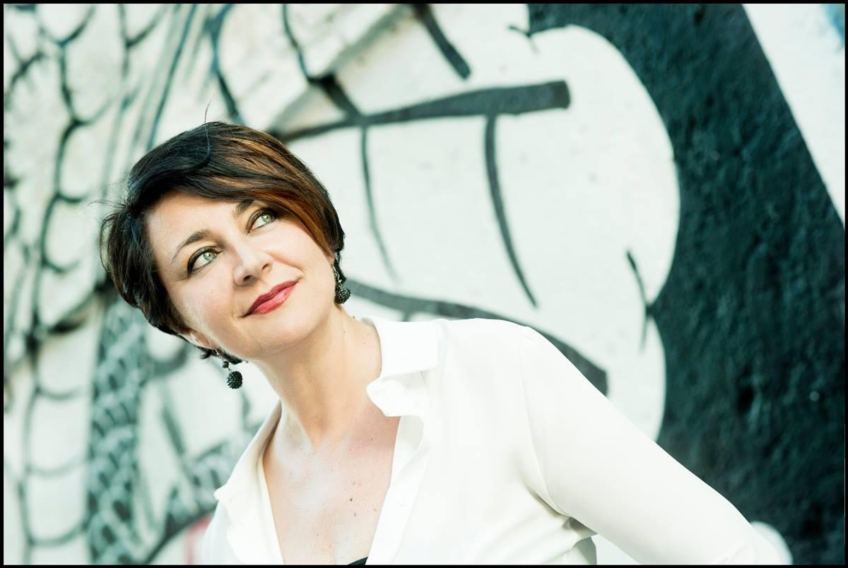 """Intervista di Giulia Mastrantoni a Loriana Lucciarini: vi presentiamo """"Doppio carico. Storie di operaie"""""""