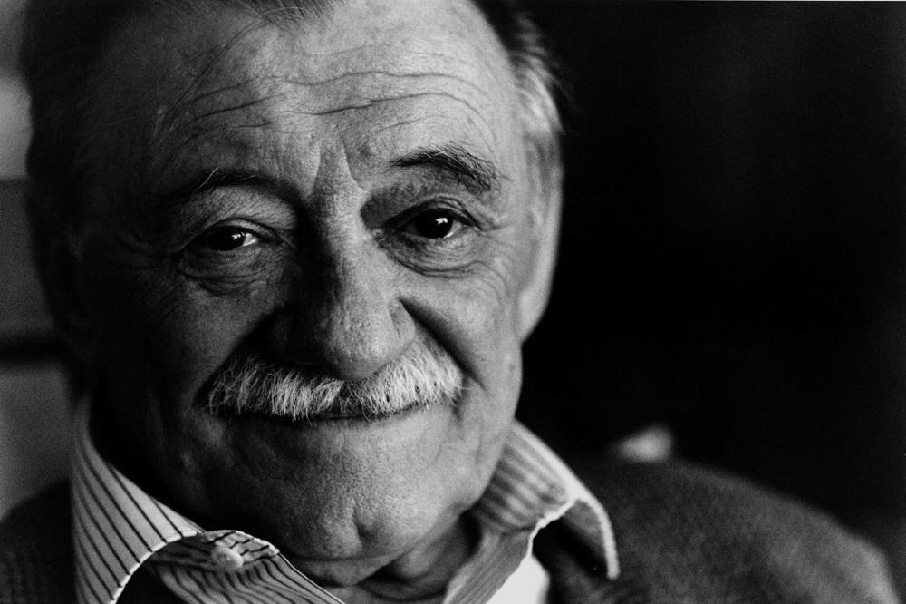 """""""Chi di noi"""" di Mario Benedetti: un triangolo amoroso senza tradimenti"""