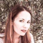 """""""Oltremondo"""" di Marta Leandra Mandelli: petali di rosa e fili di ragnatela"""