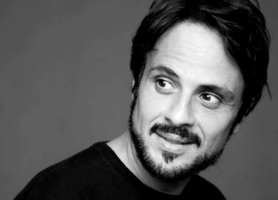 Intervista di Irene Gianeselli all'attore Maximilian Nisi: a teatro seguendo l'esempio dei maestri