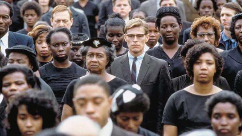 """""""Mississippi Burning. Le radici dell'odio"""" film di Alan Parker: l'omertà dei bianchi e la rassegnazione delle vittime"""
