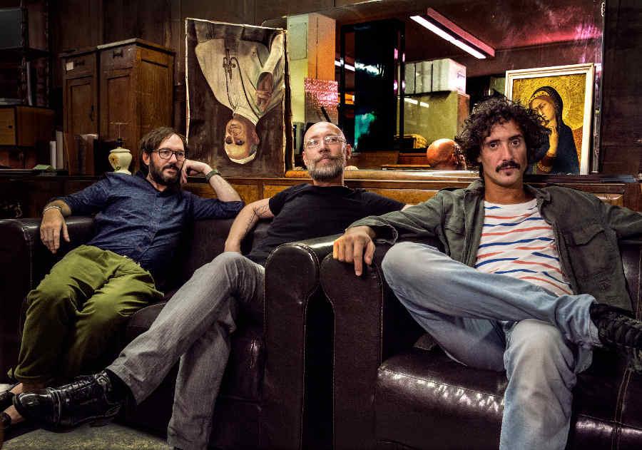 """""""Meteora"""": il nuovo videoclip della band Moostroo: amore viscerale che arde d'erotismo"""